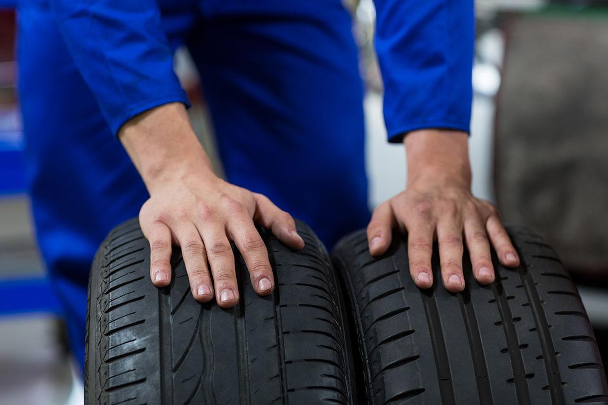 Comment bien s'y prendre pour changer un pneu