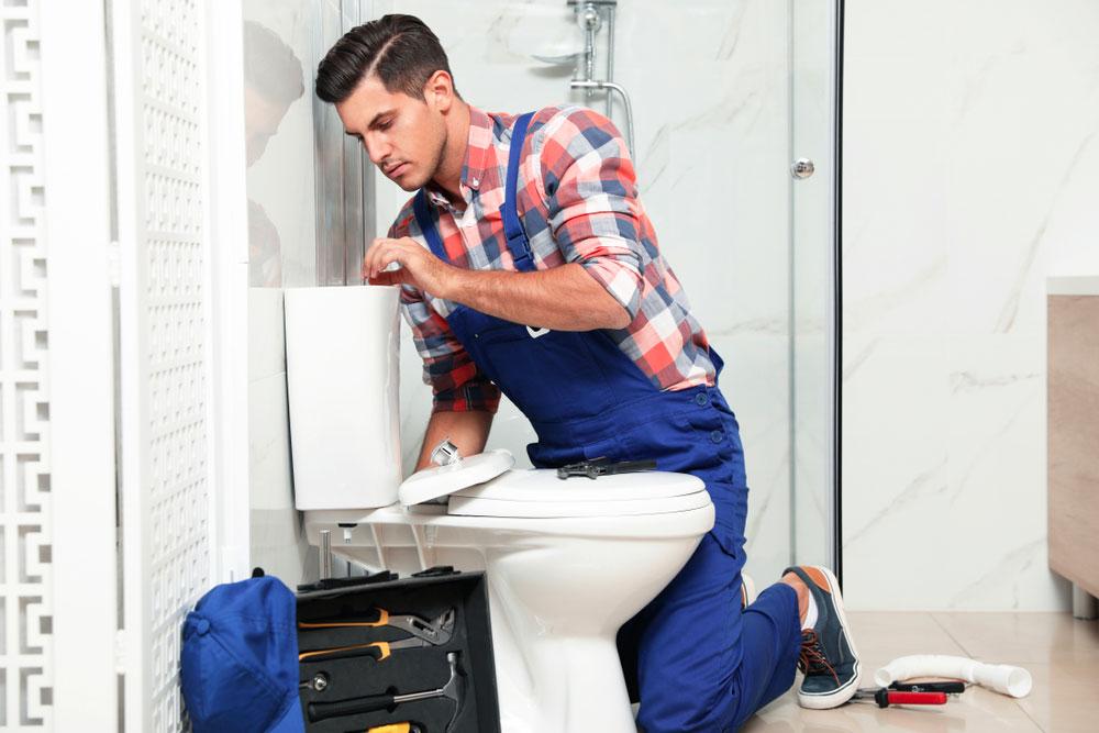 Comment déboucher ses canalisations de toilettes bouchées ?
