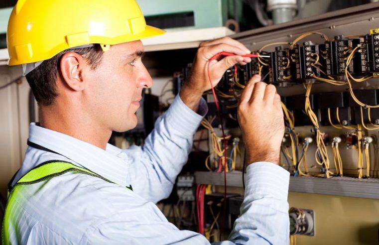 Trois erreurs à éviter pour trouver le bon électricien à Paris